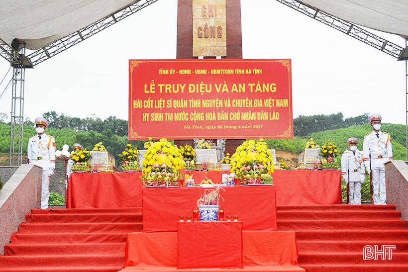 Hà Tĩnh tổ chức trọng thể lễ truy điệu, an táng 11 liệt sỹ quân tình nguyện và chuyên gia Việt Nam hy sinh tại Lào