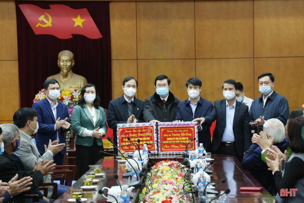 Nguyên Chủ tịch nước Trương Tấn Sang chúc tết tại Hà Tĩnh