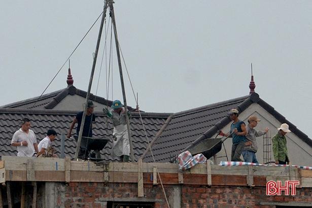 """Thiếu thông tin, lao động tự do ở Hà Tĩnh """"đánh rơi"""" nhiều quyền lợi"""