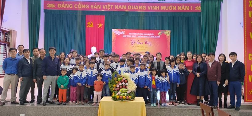 Tổ chức tết sum vầy cho trẻ em Làng trẻ SOS
