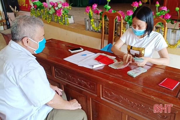Thị xã Hồng Lĩnh chi trả trên 5,4 tỷ đồng cho người dân gặp khó khăn do dịch Covid-19