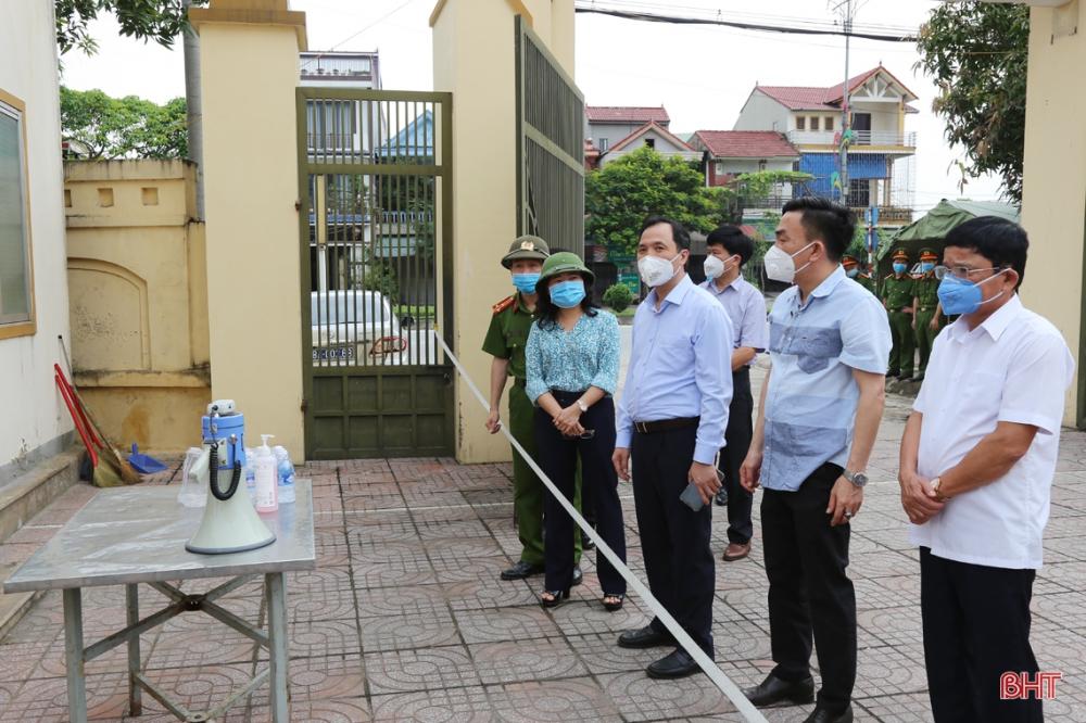 Bí thư Tỉnh ủy Hà Tĩnh: Dốc sức phòng chống, không để người dân hoang mang trước tình hình dịch bệnh!
