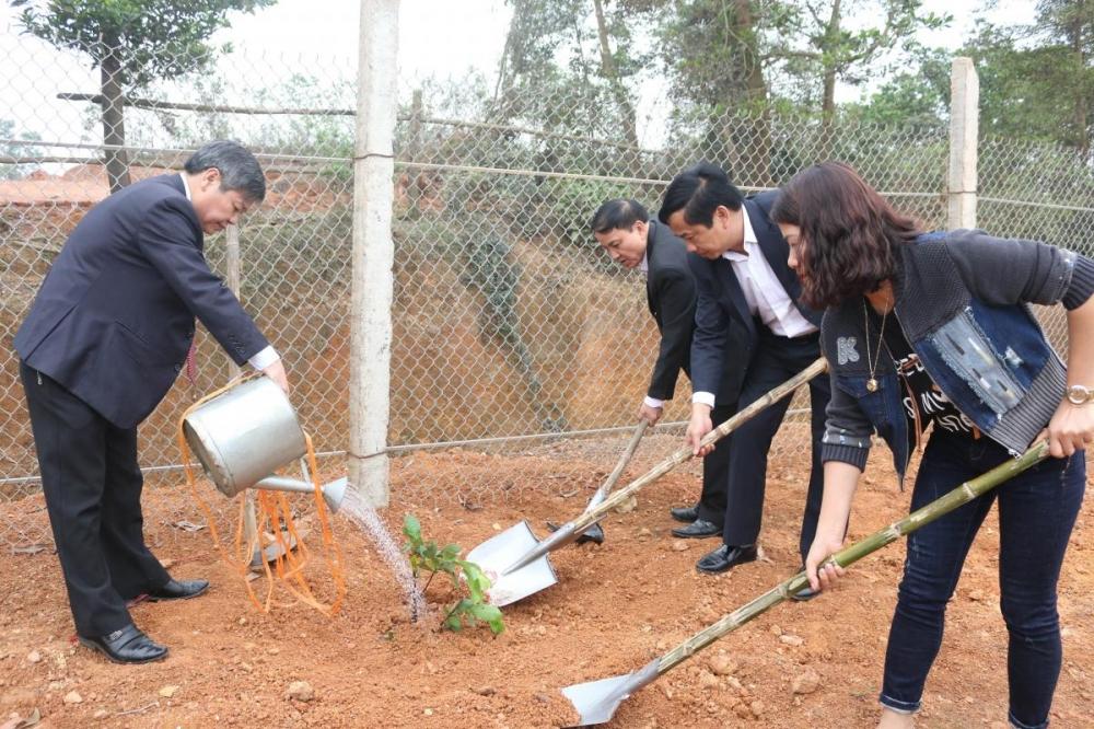 Tết trồng cây đầu xuân năm 2018